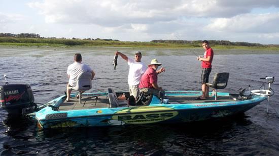 Palm beach bass fishing florida fishing tripsflorida for Florida fishing boats